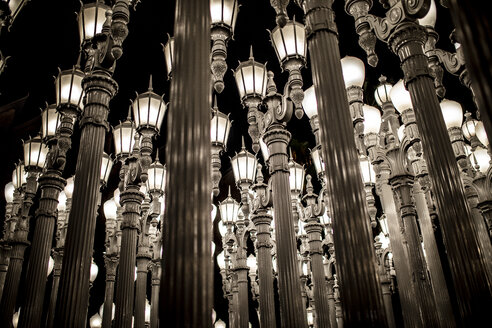 USA, California, Los Angeles, Los Angeles County Museum of Art, art installation with street lanterns - DAW00828