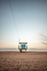 USA, California, Santa Monica, lifeguard hut on the beach at twilight - DAWF00879