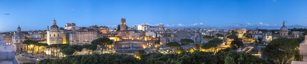 Italy, Rome, Cityview, Panoramic view of Via de Fori Imperiali in the evening - HAMF00546
