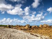 France, Bretagne, Plougrescant, Cote de Granit Rose, rocky coast at Pointe du Chateau - LAF02197