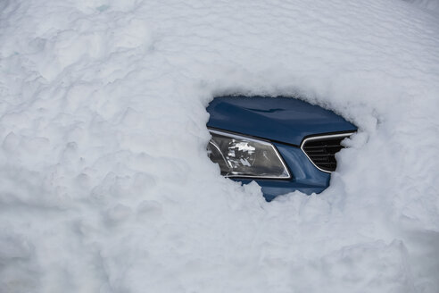 Snow covering parked car - FSIF03680