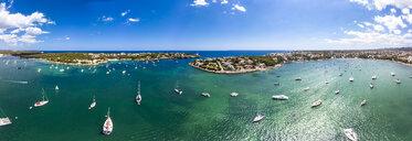 Spain, Baleares, Mallorca, Portocolom, Punta de ses Crestes, Bay of Portocolom - AMF06501