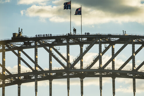 Australia, New South Wales, Sydney, tourists on Sydney harbour Bridge - RUNF00525