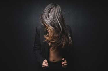 Young girl with moving hair - DAMF00020