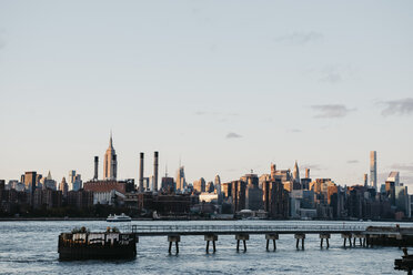 USA, New York, New York City, Brooklyn, Skyline - LHPF00311