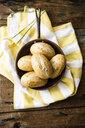 Rye bread rolls in pan - GIOF05252