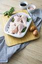 Raw chicken in gratin dish - GIOF05278