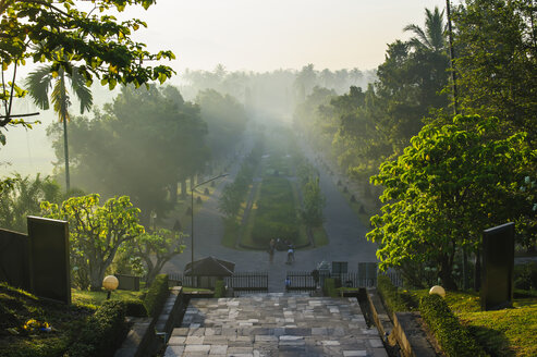 Indonesia, Java, early morning view from the Borobudur Temple Complex - RUNF00613