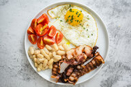 Breakfast with tomatoes, white beans, - GIOF05295