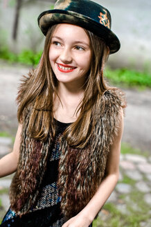 Portrait of fashionable girl with wearing red lipstick - VWF00015