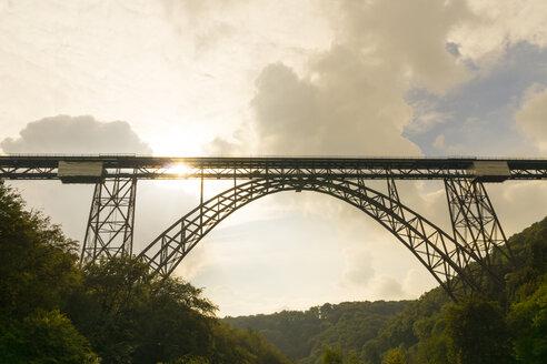 Germany, Muengsten Bridge between Solingen and Remscheid at twilight - SKAF00110