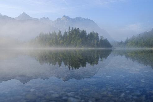 Germany, Bavaria, Werdenfelser Land, Isar dam Kruen, morning fog - SIEF08260