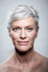 Porträt Foto ältere Frau, Femal Model, Best Ager Model - VWF00047