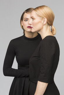 Studio portrait of mother and adult daughter - VGF00156
