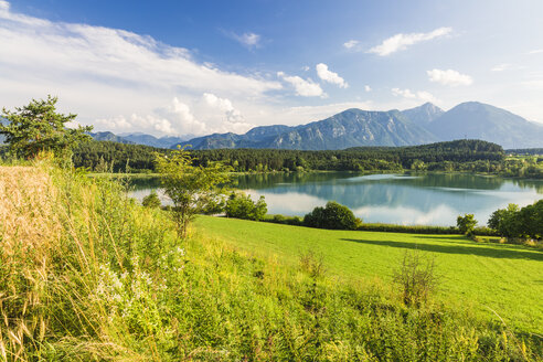 Austria, Carinthia, Lake Turner, View to Slovenia - AIF00570
