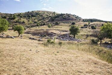 antike Ausgrabungsstätte unterhalb des Berggipfels Profitis Ilias, Lykaion, Arkadien, Peloponnes, Griechenland - MAMF00321