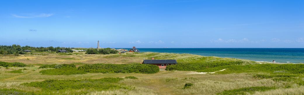 Denmark, Jutland, Skagen, Grenen, dune landscape with grey lighthouse - UMF00891