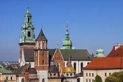 Poland, Krakow, Wawel Cathedral, city landmark in Romanesque, Gothic, Baroque and Renaissance architectural styles. - ABOF00384
