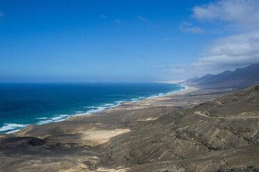 Spain, Canary Islands, Fuerteventura, remote Cofete beach - RUNF00844