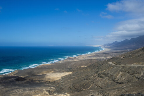 Spain, Canary Islands, Fuerteventura, remote Cofete beach - RUNF00844