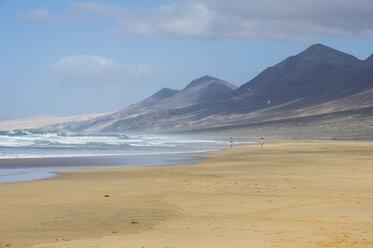 Spain, Canary Islands, Fuerteventura, remote Cofete beach - RUNF00847