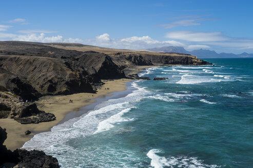 Spain, Canary Islands, Fuerteventura, La Pared, Playa del Viejo Rey - RUNF00856