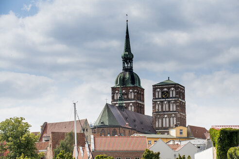 Germany, Stralsund, view to rooftops and St. Nicholas church - RUNF00913