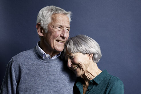 Portrait of senior couple - RBF07001