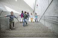 Children descending stairs - HEROF05197