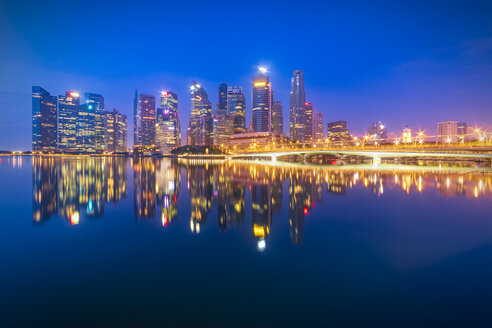 Singapore, Financial district, High rise buildings in the evening - SMAF01186
