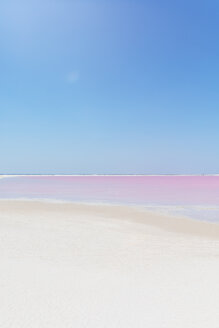 Mexiko, Yucatan, Las Coloradas, Pink Lake salt lake - MMAF00747