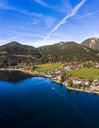 Luftaufnahme, Deutschland, Bayern, Oberbayern, Walchensee, Kochel am See am Abend - AMF06703