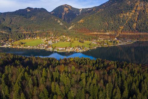 Germany, Bavaria, Upper Bavaria, Lake Walchen, Kochel am See in the evening - AMF06709