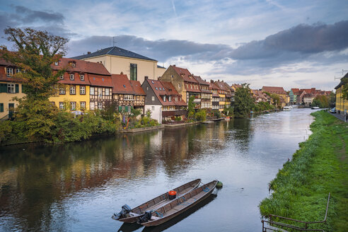 Germany, Bavaria, Bamberg, Little Venice and Regnitz river - TAMF01140
