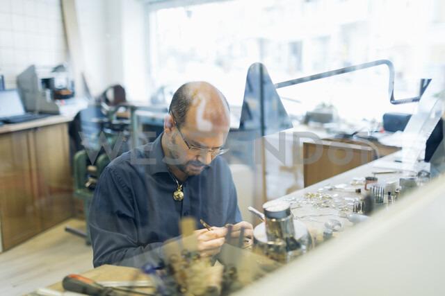 Goldsmith working in his workshop in Sweden - FOLF10273