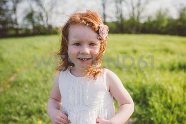 Little girl in park - ISF20136 - Jenn Austin-Driver (Photography)/Westend61