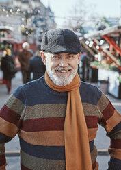 Portrait of a mature man at the Christmas market - ZEDF01821
