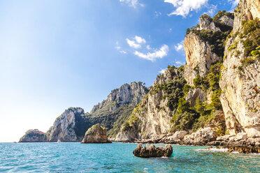 Italy, Campania, Gulf of Naples, Capri, sailing around the island in the Thyrrenian Sea - FLMF00088
