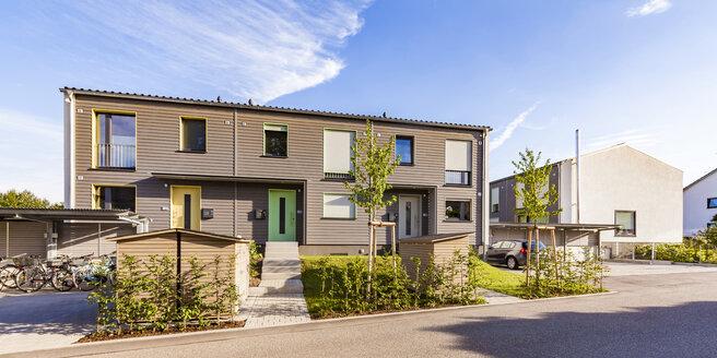Germany, Fellbach, energy saving house development area - WDF05050