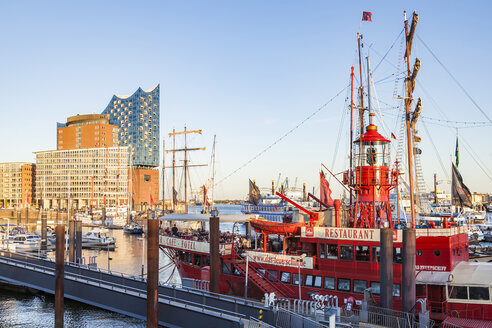 Germany, Hamburg, marina and Niederhafen with hotel ship and Elbe Philharmonic Hall in the background - WD05062