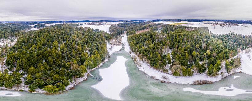 Luftaufnahme Eisenbachstausee im Winter, Schwäbischer Wald, Kreis Ostalb, Baden Württemberg, Deutschland - STSF01836