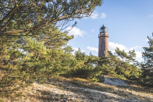 Deutschland, Mecklenburg-Vorpommern, Darß, Darßer Ort mit Leuchtturm - KEBF01050