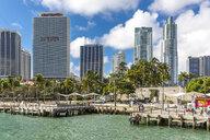 USA, Florida, Miami, Bayfront Park with skyline - MAB00523
