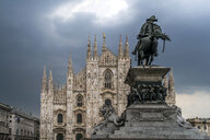 Italy, Milan, Monument to King Victor Emmanuel II  and Milan Cathedral on Piazza del Duomo - PC00397