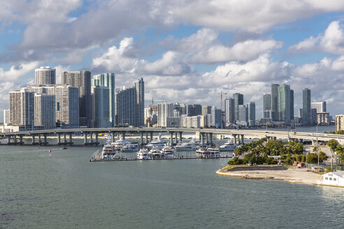 USA, Florida, skyline of Downtown Miami - MABF00524