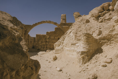 Israel, Negev, Avdat National Park, church ruin in the desert - GCF00242