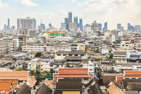 Thailand, Bangkok, aerial view of the city with different areas, poor and modern, in the same frame - WPEF01348