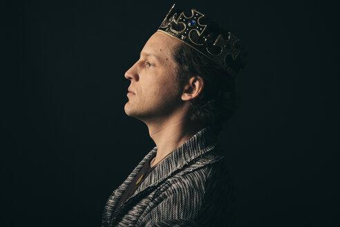 Renaissance portrait confident, ambitious male millennial wearing crown - HEROF17293