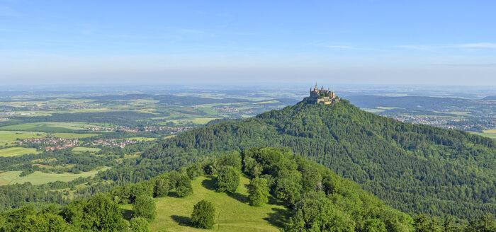 Hohenzollern Castle, Hechingen, Swabian Jura, Baden-Württemberg, Germany - RUE02111