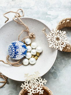 Christmas baubles and ornaments - CUF48717